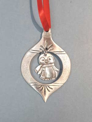 2019 Vintage Ornament with Penguin