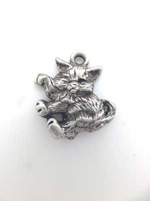 Side Facing Kitten Charm - Lead Free Pewter