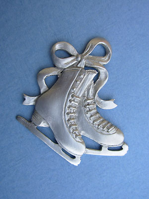 Double Skate with Ribbon Brooch - Lead Free Pewter