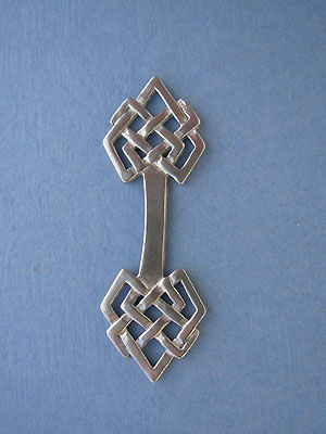 Geometric Magic Knot Foldover - Lead Free Pewter