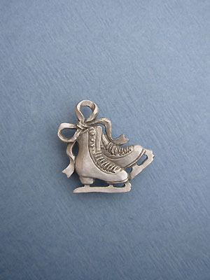 Double Figure Skate Lapel Pin - Lead Free Pewter