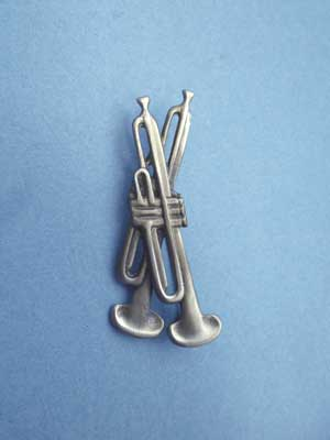 Double Trumpet Brooch - Lead Free Pewter