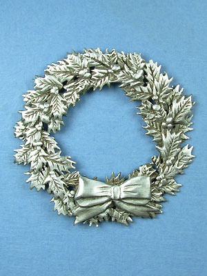 Holly Wreath Brooch - Lead Free Pewter