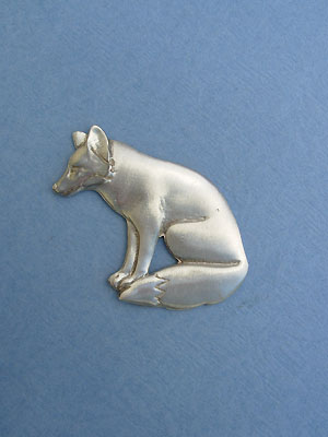 Sitting Fox Brooch - Lead Free Pewter