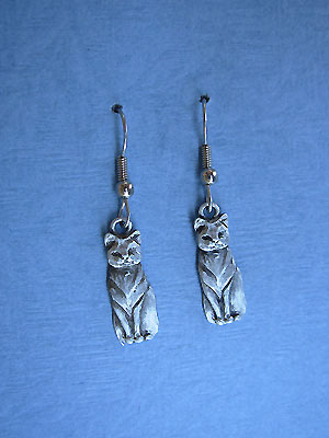 Regal Cat Earrings - Lead Free Pewter