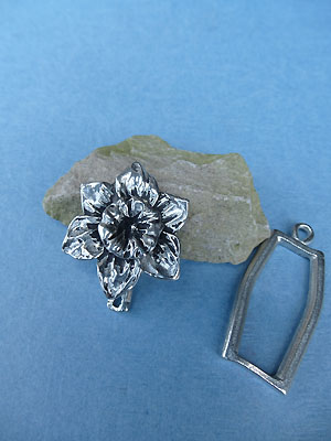 Daffodil Pewter Button Toggle