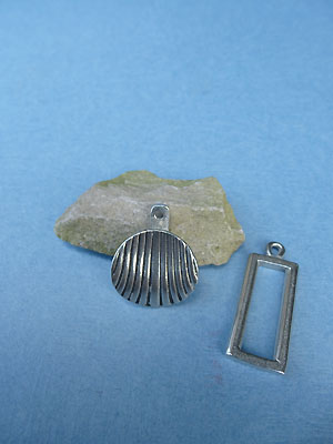 Shell Pewter Button Toggle