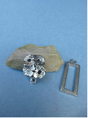 Bouquet Pewter Button Toggle