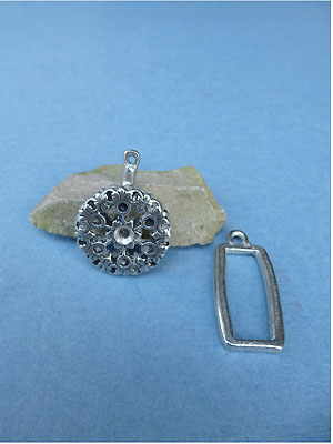Rhinestone Flower Pewter Button Toggle