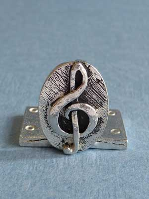 Lead Free Pewter Treble Clef Connector