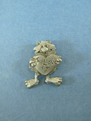 Cat with 'I Love U' heart Lapel Pin - Lead Free Pewter