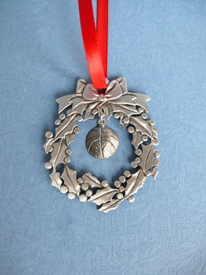 Wreath Ornament with Basketball Charm
