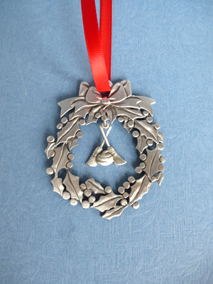 Wreath Ornament with Curling Charm