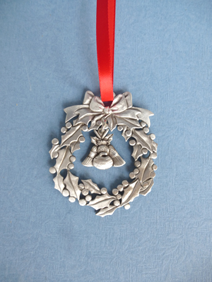 Wreath Ornament with Curling/Thistle Charm